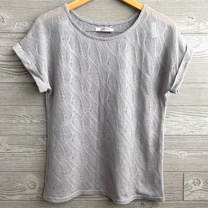 Open knit cuffed sleeve short sleeve top